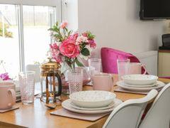 White Rose Apartment