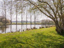 9 Lakeview - Norfolk - 1000330 - thumbnail photo 18