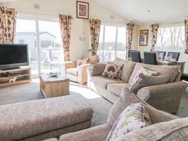Skipsea Lodge - Whitby & North Yorkshire - 1000545 - thumbnail photo 2