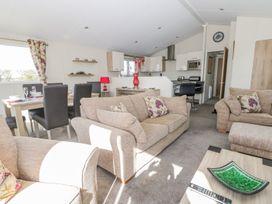Skipsea Lodge - Whitby & North Yorkshire - 1000545 - thumbnail photo 3