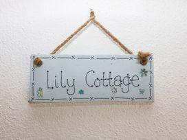 Lily Cottage - Devon - 1000577 - thumbnail photo 2