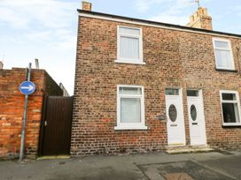 Chapel Cottage - Whitby & North Yorkshire - 1000659 - thumbnail photo 1