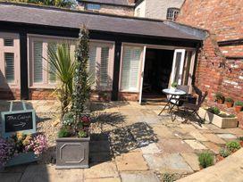 1 bedroom Cottage for rent in Rossett