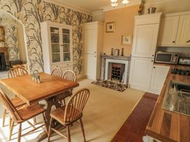 Apartment 7, Sneaton Hall - Whitby & North Yorkshire - 1000734 - thumbnail photo 8