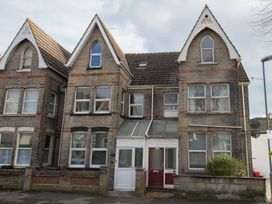 6 bedroom Cottage for rent in Weymouth
