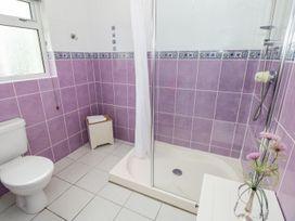 Ashdown House - South Wales - 1000891 - thumbnail photo 13