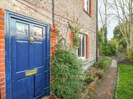 2 bedroom Cottage for rent in Warminster