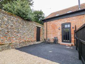 Grange Barn - Suffolk & Essex - 1001118 - thumbnail photo 2