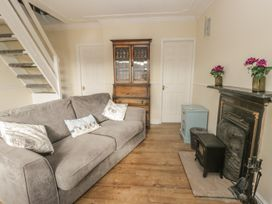 Chalet 235 - Whitby & North Yorkshire - 1001156 - thumbnail photo 3