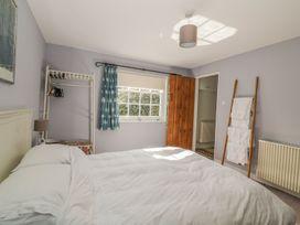 Courtyard Cottage, Poplar Farm Barn - Suffolk & Essex - 1001535 - thumbnail photo 17