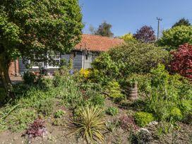 Courtyard Cottage, Poplar Farm Barn - Suffolk & Essex - 1001535 - thumbnail photo 23