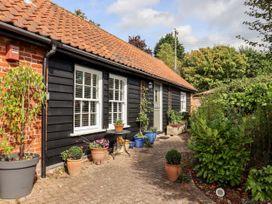Courtyard Cottage, Poplar Farm Barn - Suffolk & Essex - 1001535 - thumbnail photo 1