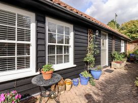 Courtyard Cottage, Poplar Farm Barn - Suffolk & Essex - 1001535 - thumbnail photo 20