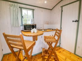 Shepherd's Hut - Devon - 1001625 - thumbnail photo 3