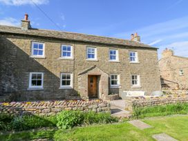 5 bedroom Cottage for rent in Brough