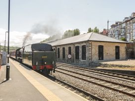 Blue Peter @ Engine Shed - North Yorkshire (incl. Whitby) - 1002242 - thumbnail photo 2