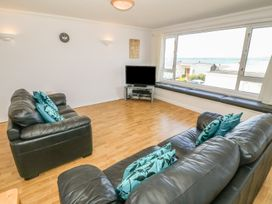 Flat 1 Bryn Colyn - Anglesey - 1002250 - thumbnail photo 5