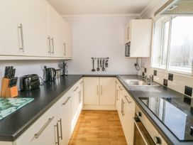 Flat 1 Bryn Colyn - Anglesey - 1002250 - thumbnail photo 9