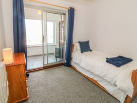 Flat 1 Bryn Colyn - Anglesey - 1002250 - thumbnail photo 11