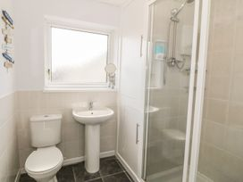 Flat 1 Bryn Colyn - Anglesey - 1002250 - thumbnail photo 16