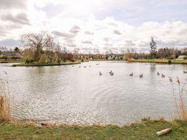 Lake View Lodge - Lincolnshire - 1002469 - thumbnail photo 23