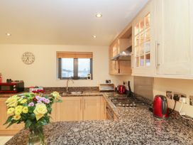 Apartment 7 - Dorset - 1002685 - thumbnail photo 6