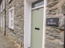 Ty Arthur - North Wales - 1002729 - thumbnail photo 3