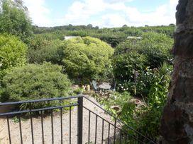 Lazy Hare at Jen's Orchard - Cornwall - 1003123 - thumbnail photo 2
