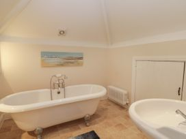 Wyke Lodge Cottage - Whitby & North Yorkshire - 1003307 - thumbnail photo 12