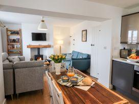 Sunshine Cottage - Whitby & North Yorkshire - 1003472 - thumbnail photo 5