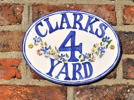 4 Clarks Yard - Whitby & North Yorkshire - 1003707 - thumbnail photo 2
