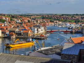 4 Clarks Yard - Whitby & North Yorkshire - 1003707 - thumbnail photo 15
