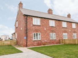 1 North Cottage - Whitby & North Yorkshire - 1003805 - thumbnail photo 2