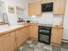 Cloverleaf Cottage - Whitby & North Yorkshire - 1003948 - thumbnail photo 8