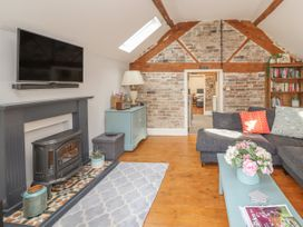 The Old Coach House - North Wales - 1003998 - thumbnail photo 7