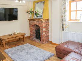 Old Hall Barn 2 - Shropshire - 1004373 - thumbnail photo 4
