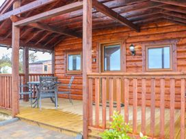 Alken Cabin - Antrim - 1004376 - thumbnail photo 3