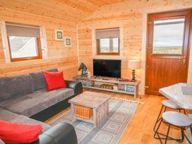Alken Cabin - Antrim - 1004376 - thumbnail photo 4