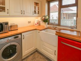 Eskside Cottage - Whitby & North Yorkshire - 1004449 - thumbnail photo 5