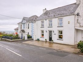 4 bedroom Cottage for rent in New Quay