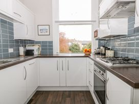 Park View Apartment - Whitby & North Yorkshire - 1004777 - thumbnail photo 10
