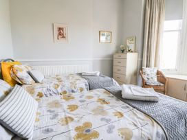 Park View Apartment - Whitby & North Yorkshire - 1004777 - thumbnail photo 14