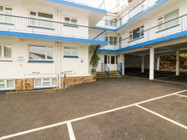 3 Dolphin Court - Devon - 1004903 - thumbnail photo 2
