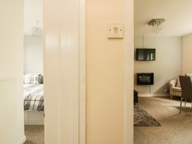 3 Dolphin Court - Devon - 1004903 - thumbnail photo 5