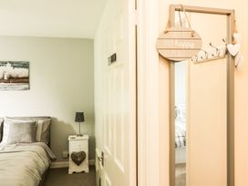 3 Dolphin Court - Devon - 1004903 - thumbnail photo 9