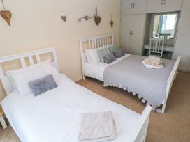 5 St. Marys Court - South Wales - 1004925 - thumbnail photo 9