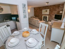 5 St. Marys Court - South Wales - 1004925 - thumbnail photo 7