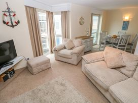 5 St. Marys Court - South Wales - 1004925 - thumbnail photo 3