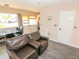 Valley Grove 8 - South Wales - 1004950 - thumbnail photo 4
