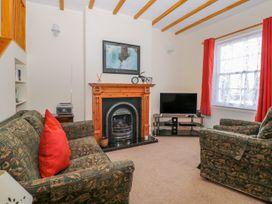 11 Church Street - Whitby & North Yorkshire - 1005355 - thumbnail photo 3